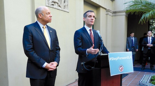 LA Mayor, Homeland Urge Undocumented Immigrants to Step Forward